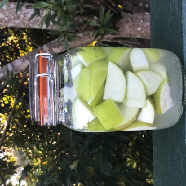 Fermented Granny Smith apples